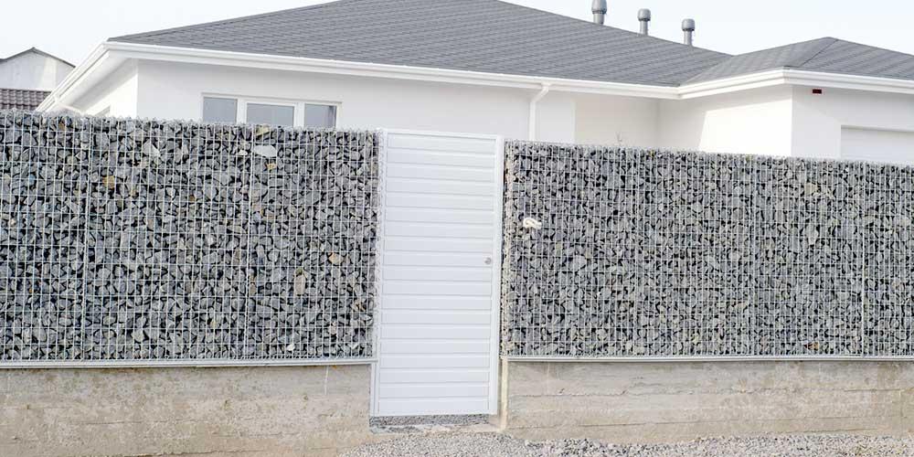 mur en blocs en béton absorbant le bruit