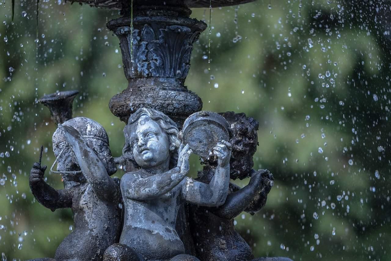 fontaine de jardin à la française