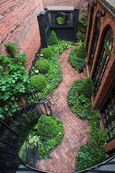 plan jardin de ville en longueur