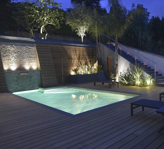 éclairage de piscine