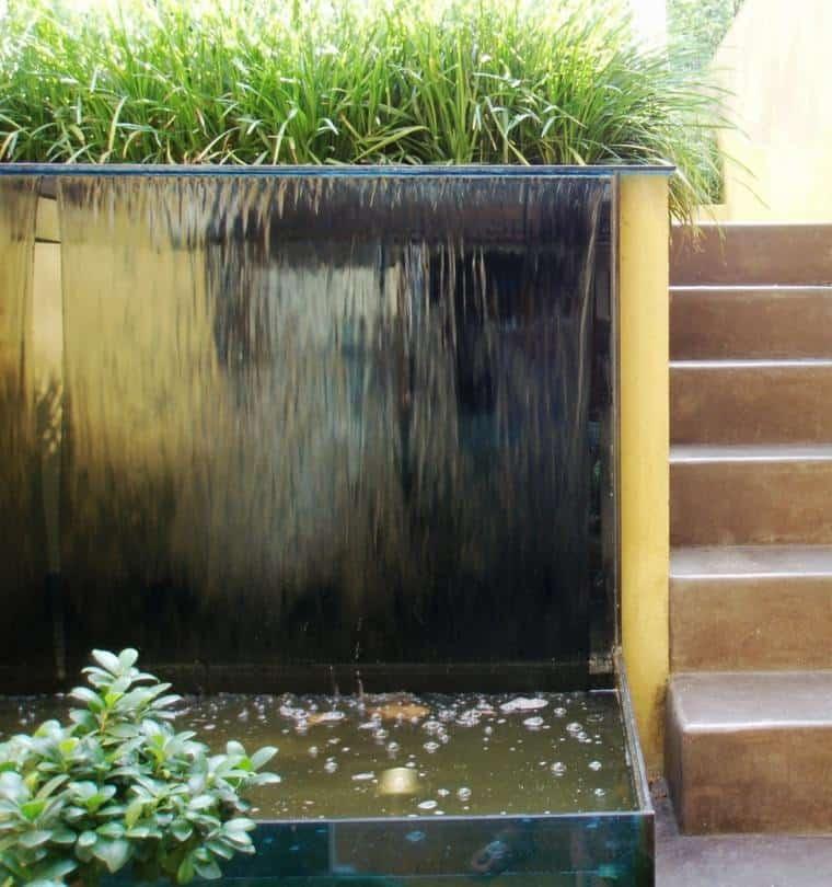 fontaine mur d'eau