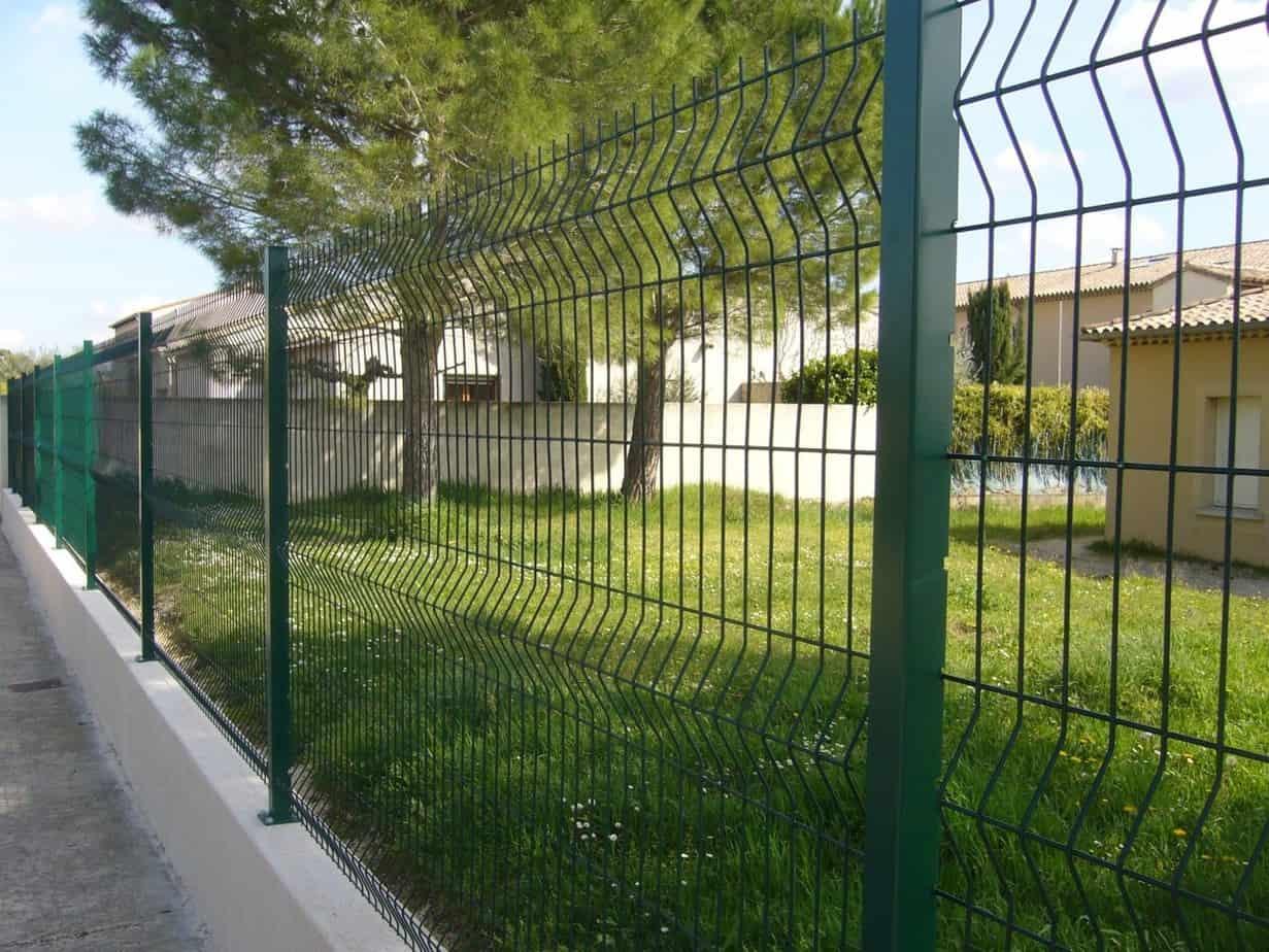 clôture de jardin en grillage