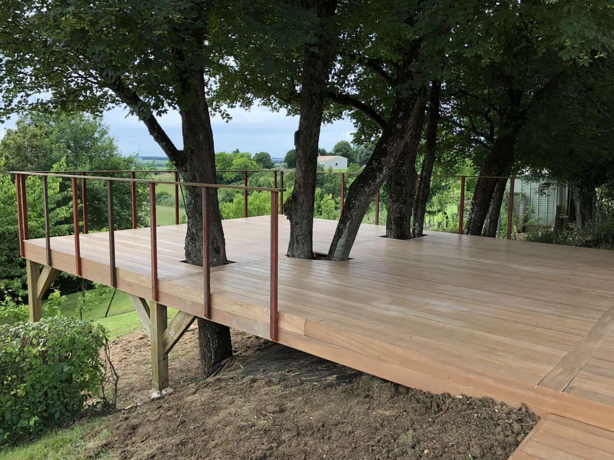 pilotis de bois terrasse