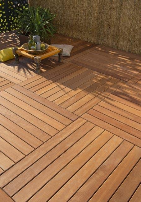 dalle clipsable extérieure en bois