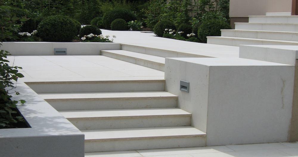 escalier extérieur en béton