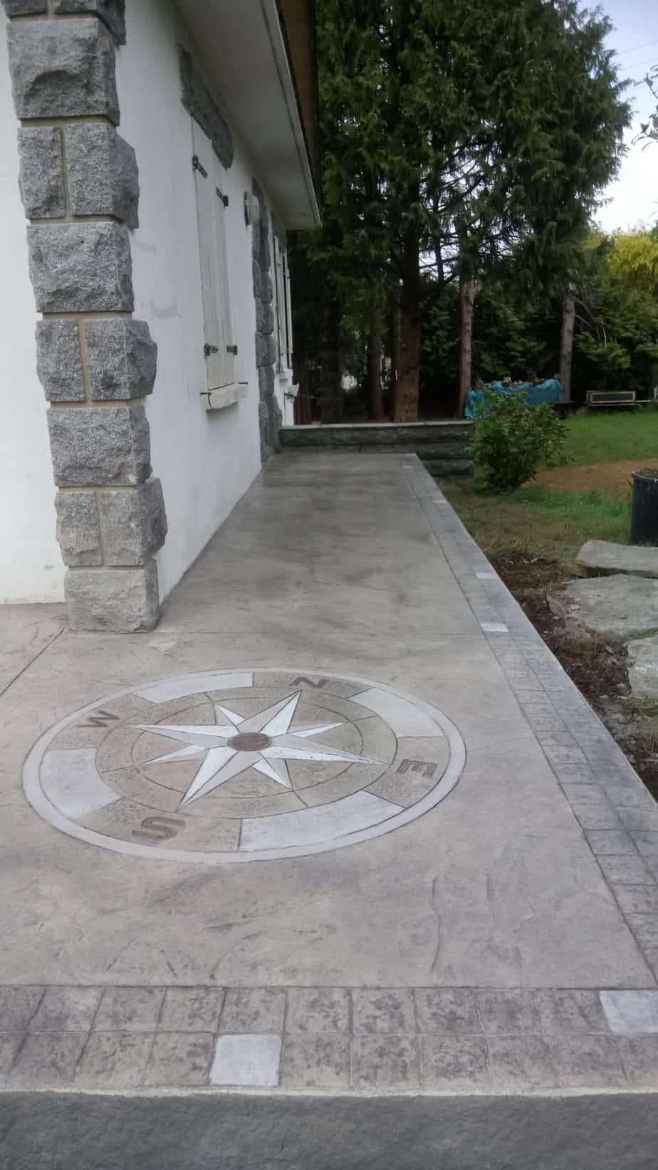 terrasse en béton décoratif